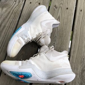 Nike Kyrie 3 Ivory Light Bone